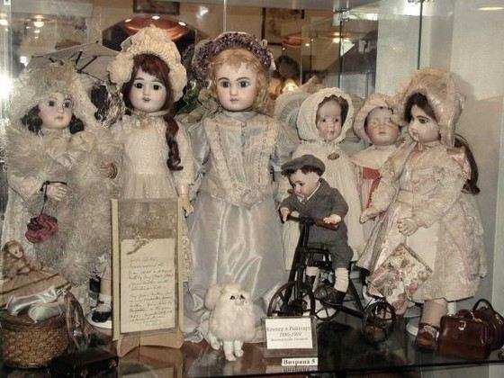 Фарфоровые куклы ручной работы могут стоить целое состояние
