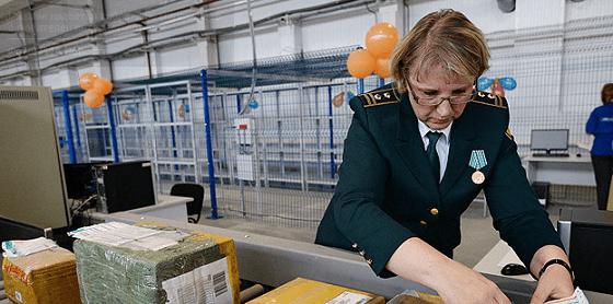 Минфин запланировал пополнить бюджет в 2015-2017 гг. на 60 млрд руб.с помощью таможенных сборов с онлайн-шопперов