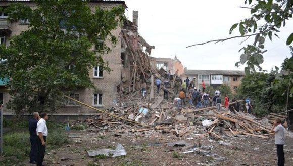 В городе Снежное, Донецкая область, обрушился жилой дом