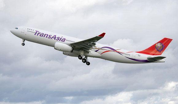 Более 50 человек погибли при аварийной посадке самолета на Тайване