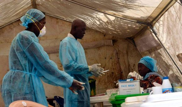Врач из США, боровшийся с лихорадкой Эбола в Африке, заразился сам
