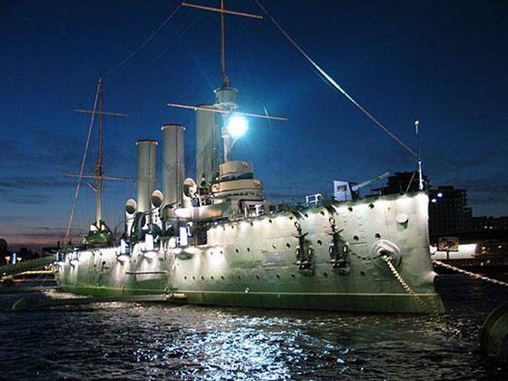 Крейсер Аврора - символ Санкт-Петербурга
