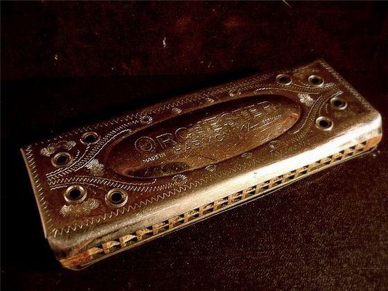 Губная гармошка - самый громкий духовой музыкальный инструмент