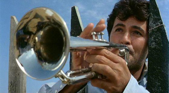 Труба имеет очень громкий звук