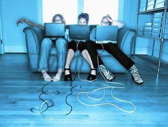 Интернет-мания захватывает умы населения