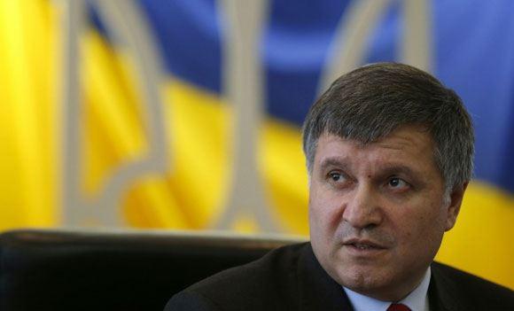 Аваков сообщил о 20 тысячах милиционерах-дезертирах
