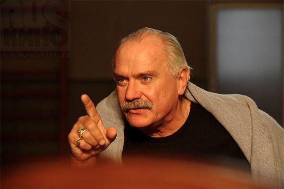 The fame of the Russian director Nikita Mikhalkov is ambiguous
