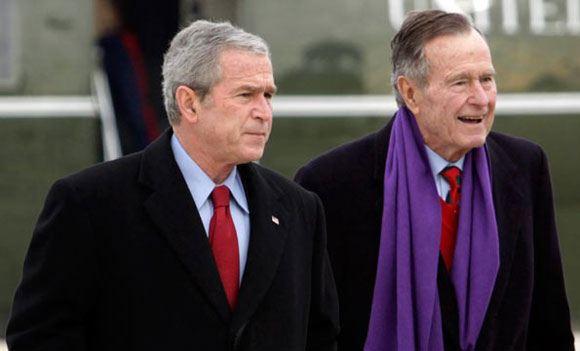Бывший президент США написал биографию Джорджа Буша-старшего