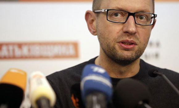 Яценюк: Украина готовит свой санкционный список против РФ