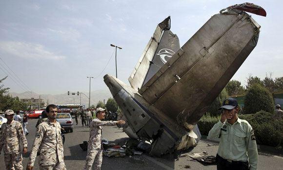 В Тегеране потерпел крушение пассажирский самолет