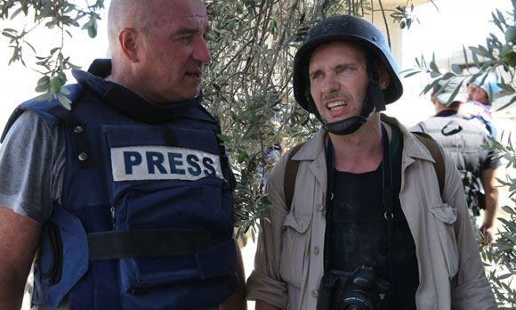 Власти Украины подтвердили задержание фотокорреспондента Андрея Стенина (на фото справа)