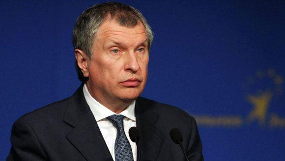 Сечин попросил у государства 1,5 триллиона рублей из-за санкций