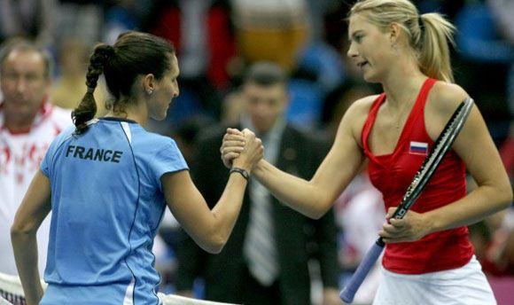 Шарапова вышла в полуфинал турнира в Цинциннати после победы над Халеп