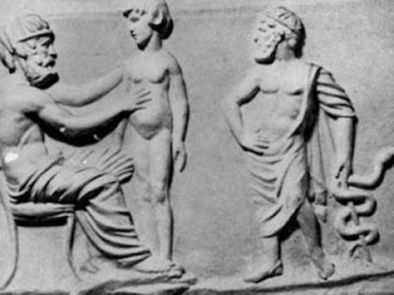 Имена гениальных греческих врачей история сохранила до наших дней