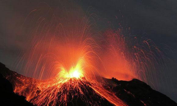 Исландия объявила предпоследний уровень угрозы извержения вулкана