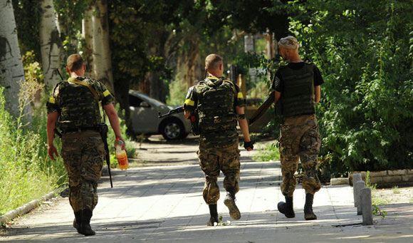 Власти Украины намерены ввести в стране курс молодого бойца