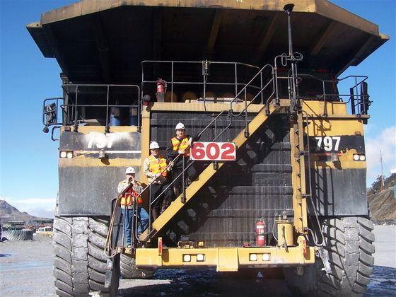Мощность Caterpillar 797F около 4000 лошадиных сил
