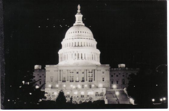 Легендарный снимок - летающие тарелки над Капитолием