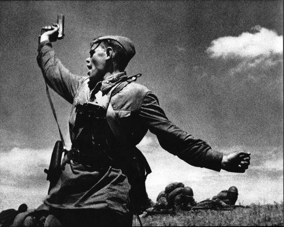 Комбат - один из самых знаменитых снимков времен Второй мировой войны