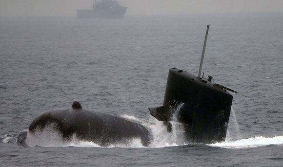 Российские военные засекли у границы японскую подлодку