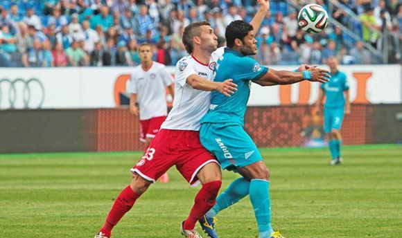 «Зенит» стал первым в матче против пермского «Амкара»
