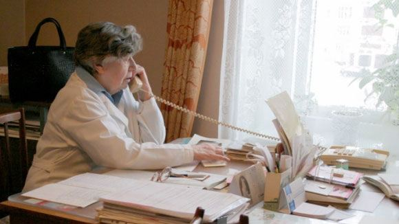 «Известия»: Московские поликлиники начнут принимать пациентов по телефону