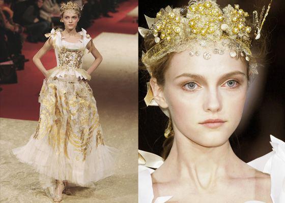 Дорогое платье от Christian Lacroix