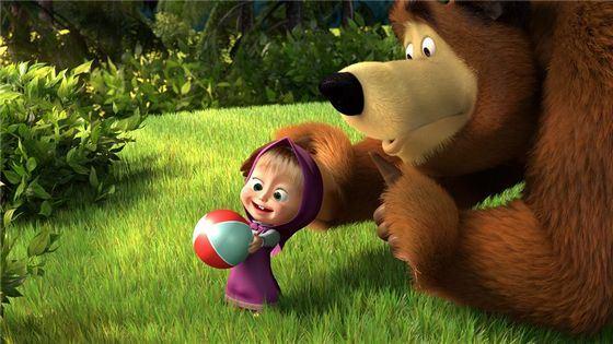 Сказочных Машу и Медведя очень любят современные дети