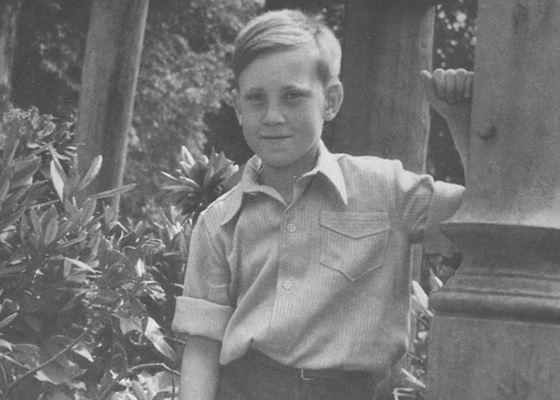 Владимир Высоцкий в детстве