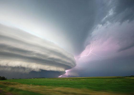 Глобальная страховая отрасль терпит убытки от стихийных бедствий