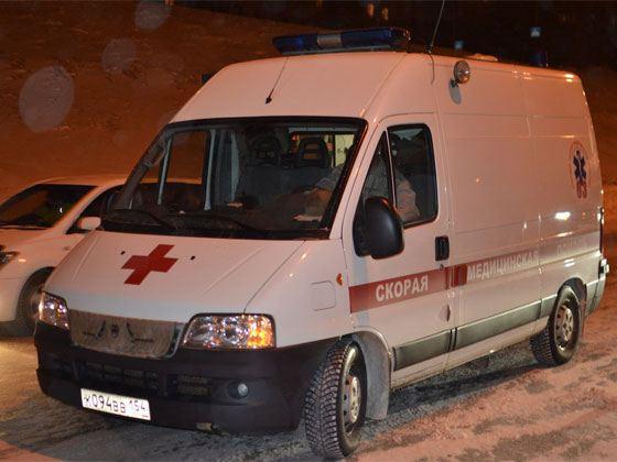 Пострадавшего милиционера доставили в больницу, где он скончался