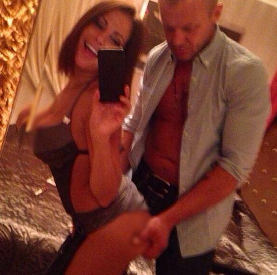 Беркова опубликовала нескромные фото с возлюбленным