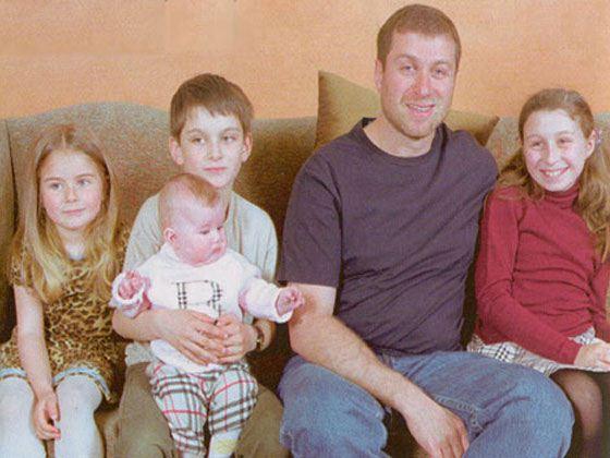 Абрамович его жена и дети фото