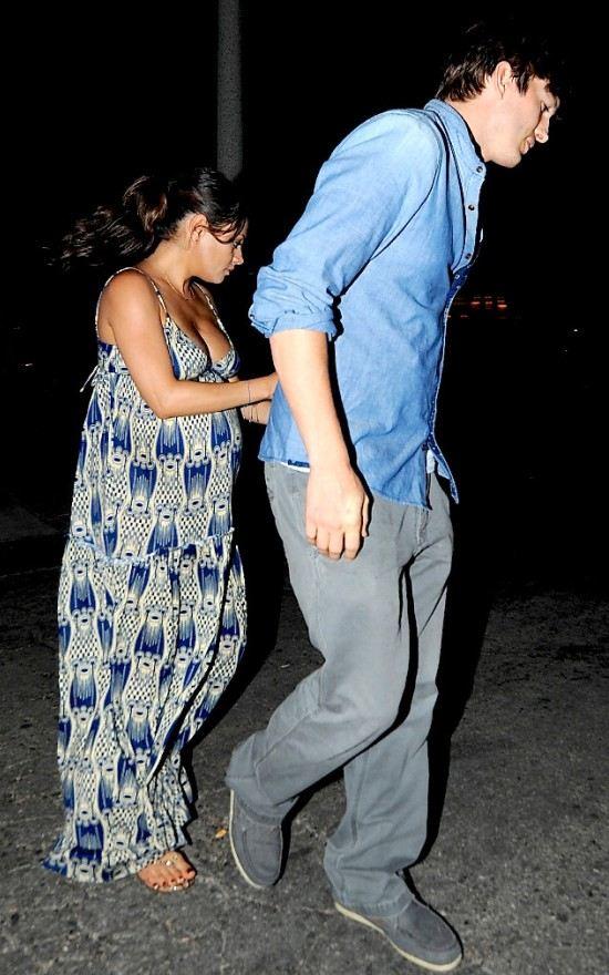 Голливудская пара с волнением ждет первенца