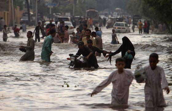 Жертвами крупного наводнения в Бангладеш стали 140 тыс. человек