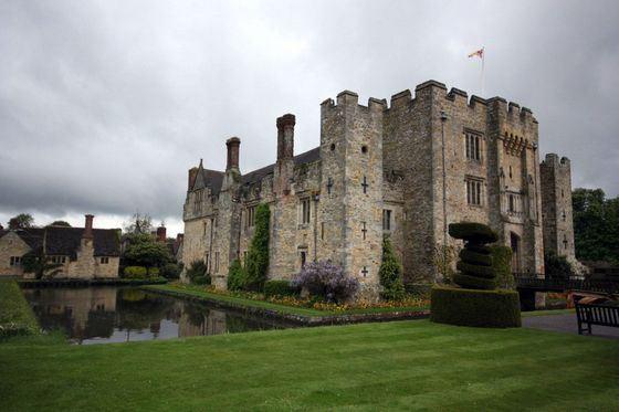 Призрак Анны Болейн - легендарное английское привидение, живущее в замке