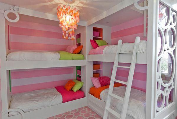 Соедините в углу две кровати