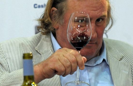 Депардье воздерживается от алкоголя из-за проблем со здоровьем