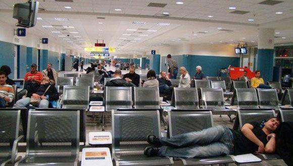 Клиентов турфирмы «Верса» сняли с рейса в питерском аэропорту