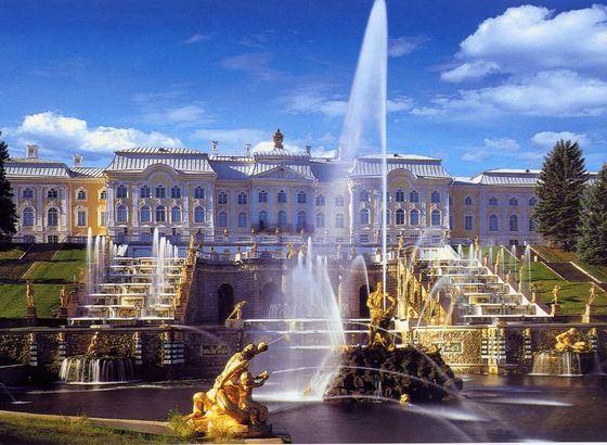 Peterhof - the beloved home of Peter I, who became a landmark