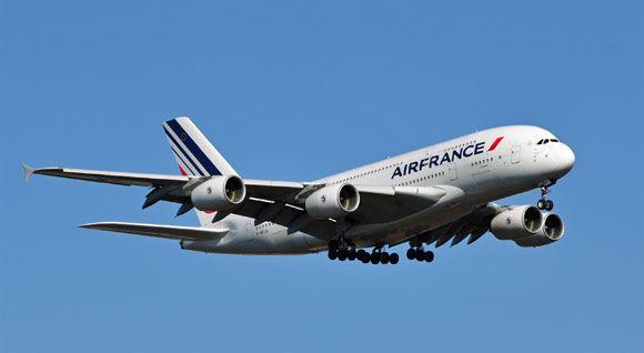 Забастовка пилотов Air France привела к массовой отмене рейсов