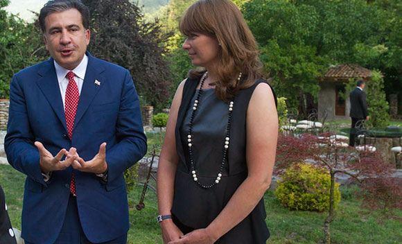 В Грузии арестовано имущество Саакашвили и его родственников