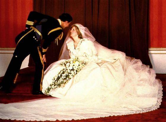 Свадебное платье принцессы Дианы стало эталоном стиля