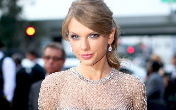 22-летняя Тейлор Свифт признана самой стильной женщиной