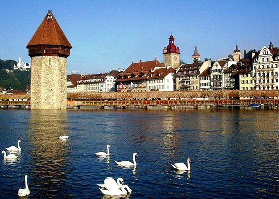 Швейцария - надежная и богатая страна