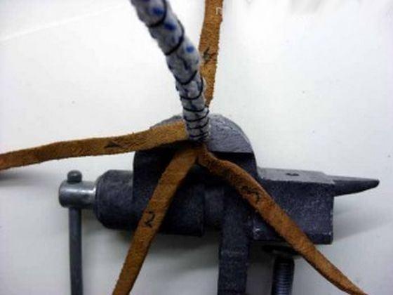 Кнут из кожи дельфина - необычный медицинский инструмент