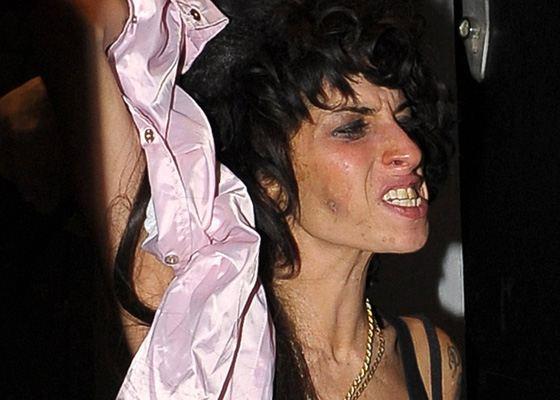 Эми Уайнхаус вошла в список самых некрасивых женщин мира