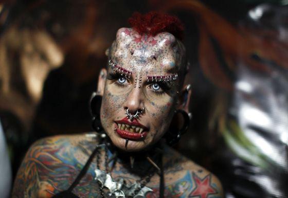 Страшная женщина-вампир по имени Кристерна