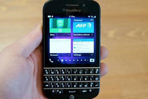 Начинаются продажи смартфона Passport от BlackBerry
