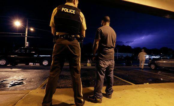 Родители Майкла Брауна хотят добиться отставки главы полиции Фергюсона